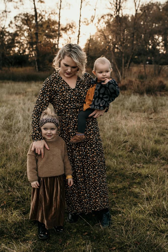 Mama met dochters herfst fotoshoot