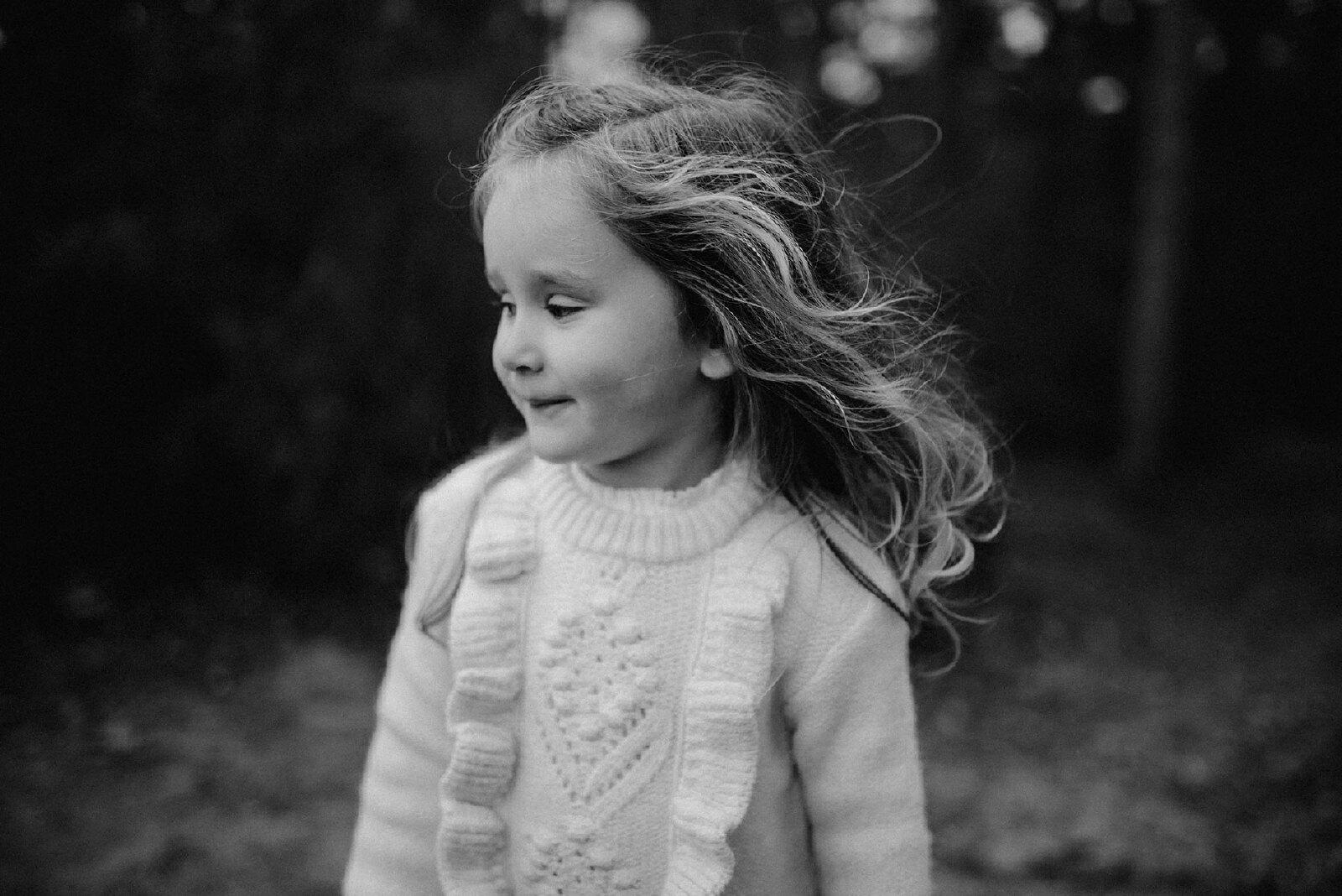 Kinderfotografie zwart wit meisje
