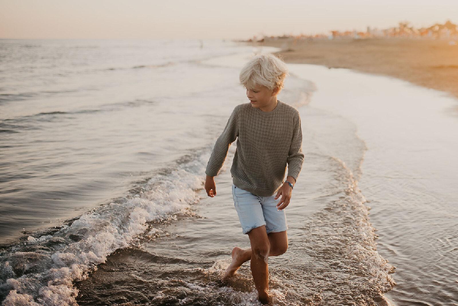 fotoshoot kind Oldenzaal water strand zomer zee
